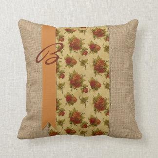 Rosas anaranjados Ribb del vintage de la arpillera Cojín Decorativo