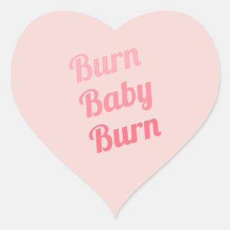 Rosas bebés de la quemadura de la motivación del pegatina en forma de corazón