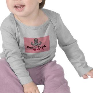 rosas bebés de la tecnología de la bomba camisetas