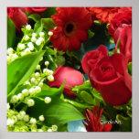 Rosas blancos de los lirios rojos poster