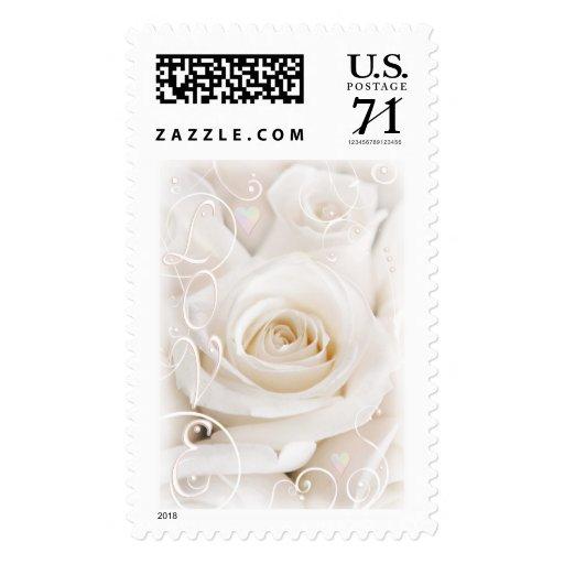 Rosas blancos del boda y franqueo nupcial del amor