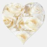 Rosas blancos elegantes que casan al pegatina