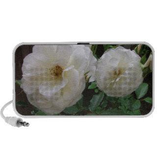 Rosas blancos florecientes portátil altavoces
