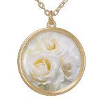 Rosas blancos grimpola