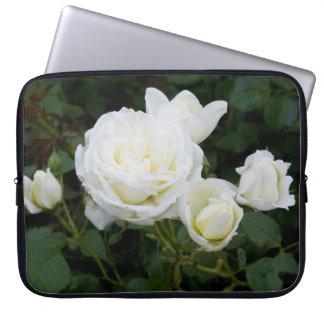 Rosas blancos mangas portátiles