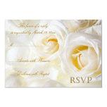 Rosas blancos que casan RSVP Comunicado Personalizado