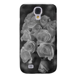 Rosas blancos y negros contra fondo manchado samsung galaxy s4 cover