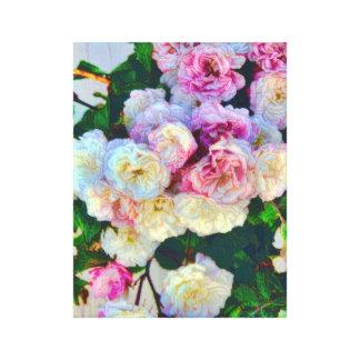 Rosas bonitos en una impresión estirada cerca de l impresiones de lienzo