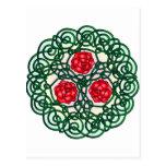 Rosas célticos rojos postal