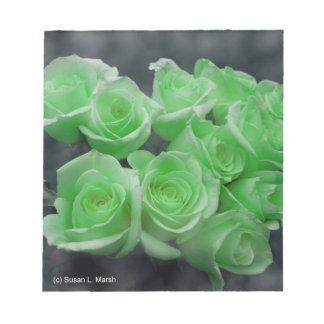 Rosas colorized verde del manojo blocs