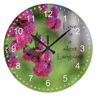 Rosas con cita del amor reloj redondo grande