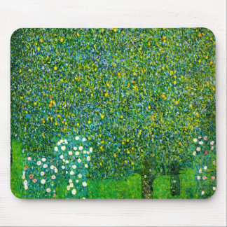 Rosas de Gustavo Klimt debajo del peral Tapetes De Raton