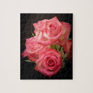 Rosas de la luz de una vela puzzle