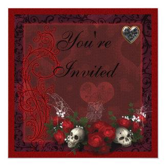 """Rosas de los cráneos y corazones góticos negros y invitación 5.25"""" x 5.25"""""""