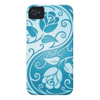 Rosas de Yin Yang, azules Case-Mate iPhone 4 Fundas