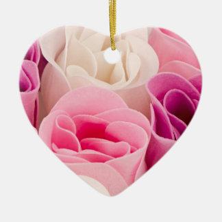 Rosas del jabón adorno de cerámica en forma de corazón