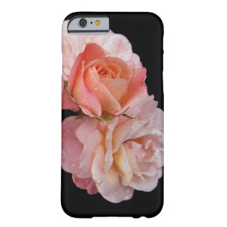 Rosas del melocotón en fondo negro funda de iPhone 6 slim