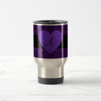 Rosas del monograma del corazón púrpura taza