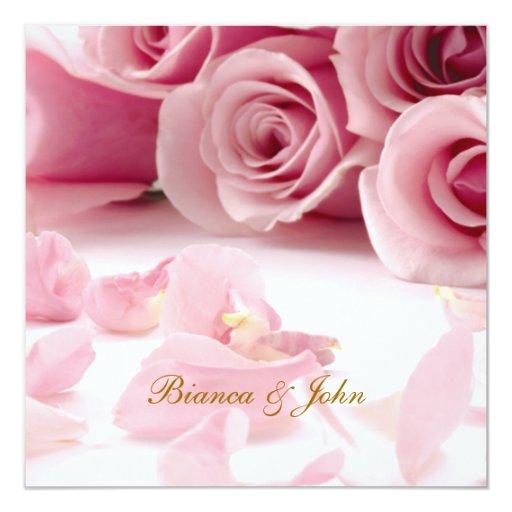 Rosas del rosa de la invitación del boda elegantes