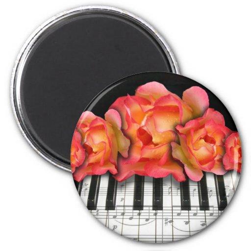 Rosas del teclado de piano y notas de la música imanes para frigoríficos