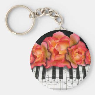 Rosas del teclado de piano y notas de la música llaveros personalizados