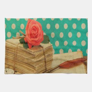Rosas elegantes lamentables del trullo del lunar toalla de mano