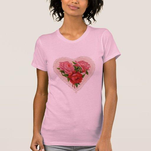 Rosas en camiseta de las señoras de la floración