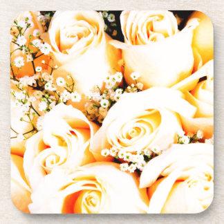 Rosas en colores pastel florales posavasos de bebidas