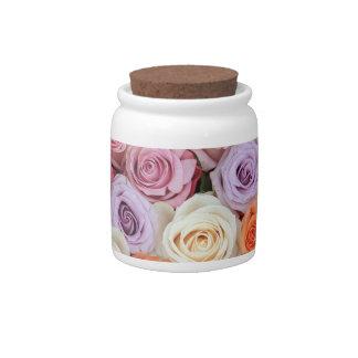 Rosas en colores pastel mezclados por Therosegarde Plato Para Caramelo