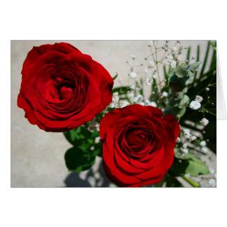 Rosas en frente, rosas dentro con personaje del tarjeta de felicitación