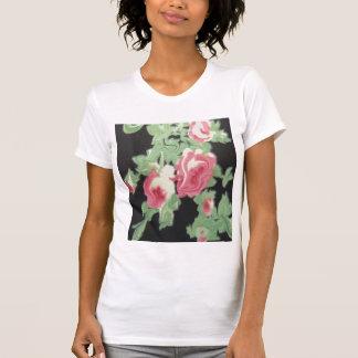 Rosas en negro camiseta