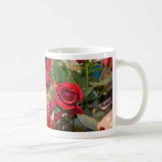 rosas en ramo tazas