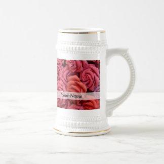 Rosas florales rosados jarra de cerveza