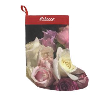 Rosas florecientes calcetín de navidad pequeño