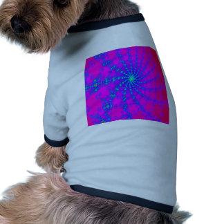 Rosas fuertes del deslumbramiento y diseño azul camiseta con mangas para perro
