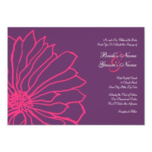 Rosas fuertes e invitación floral púrpura del boda