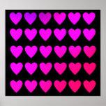 Rosas fuertes lindas y corazones púrpuras poster