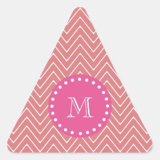 Rosas fuertes, melocotón Chevron el | su monograma Pegatina Triangular