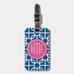 Rosas fuertes y monogramas geométricos azules del  etiqueta de maleta