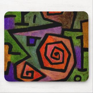 Rosas heroicos por el arte abstracto de Paul Klee Alfombrillas De Raton