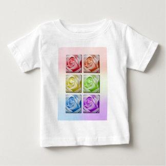 Rosas macros del arco iris playera de bebé