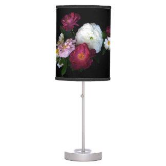 Rosas pasados de moda lámpara de escritorio