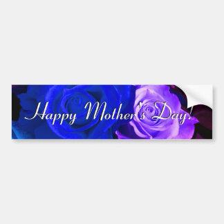 Rosas púrpuras azules felices del día de madre etiqueta de parachoque