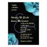 Rosas púrpuras azules y plantilla negra del boda anuncio