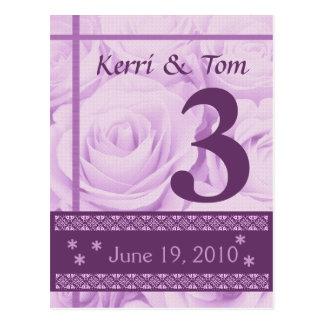 Rosas PÚRPURAS que casan la recepción de la tarjet Tarjeta Postal