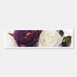 Rosas púrpuras y blancos artificiales pegatina de parachoque