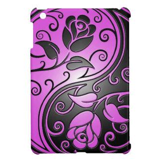 Rosas púrpuras y negros de Yin Yang iPad Mini Cárcasa