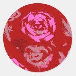 Rosas que pintan el extracto rojo del fondo pegatinas redondas