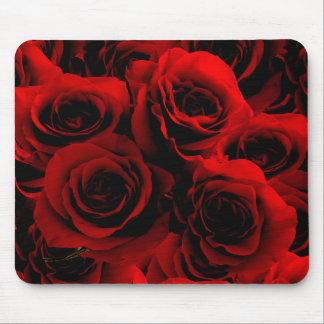 Rosas rojo oscuro para usted mousepad