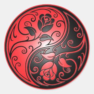 Rosas rojo y negro de Yin Yang Pegatina